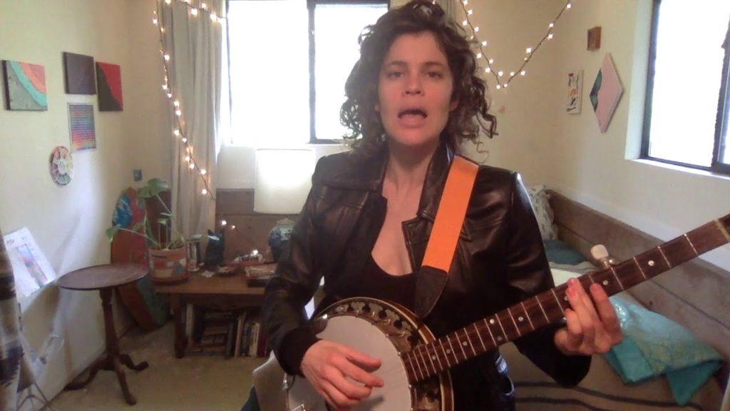 phoebe hastings - banjo